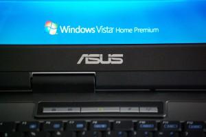 Die Installation des ASUS PRO 52RL-AP173C Laptops