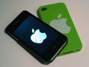 Viele Menschen möchten ein trendiges Smartphone auch bei schlechter Bonität