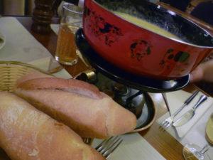 Das traditionelle Fondue mit Gruyère-Käse
