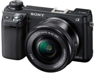 Kompakte Systemkameras (wie die Sony NEX-Reihe) bieten eine Bildqualität auf dem Niveau einer Spiegelreflex. (Foto: Amazon.de)