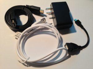 Der Doobol Quad-Core Android Mini-PC kommt mit allen nötigen Kabeln