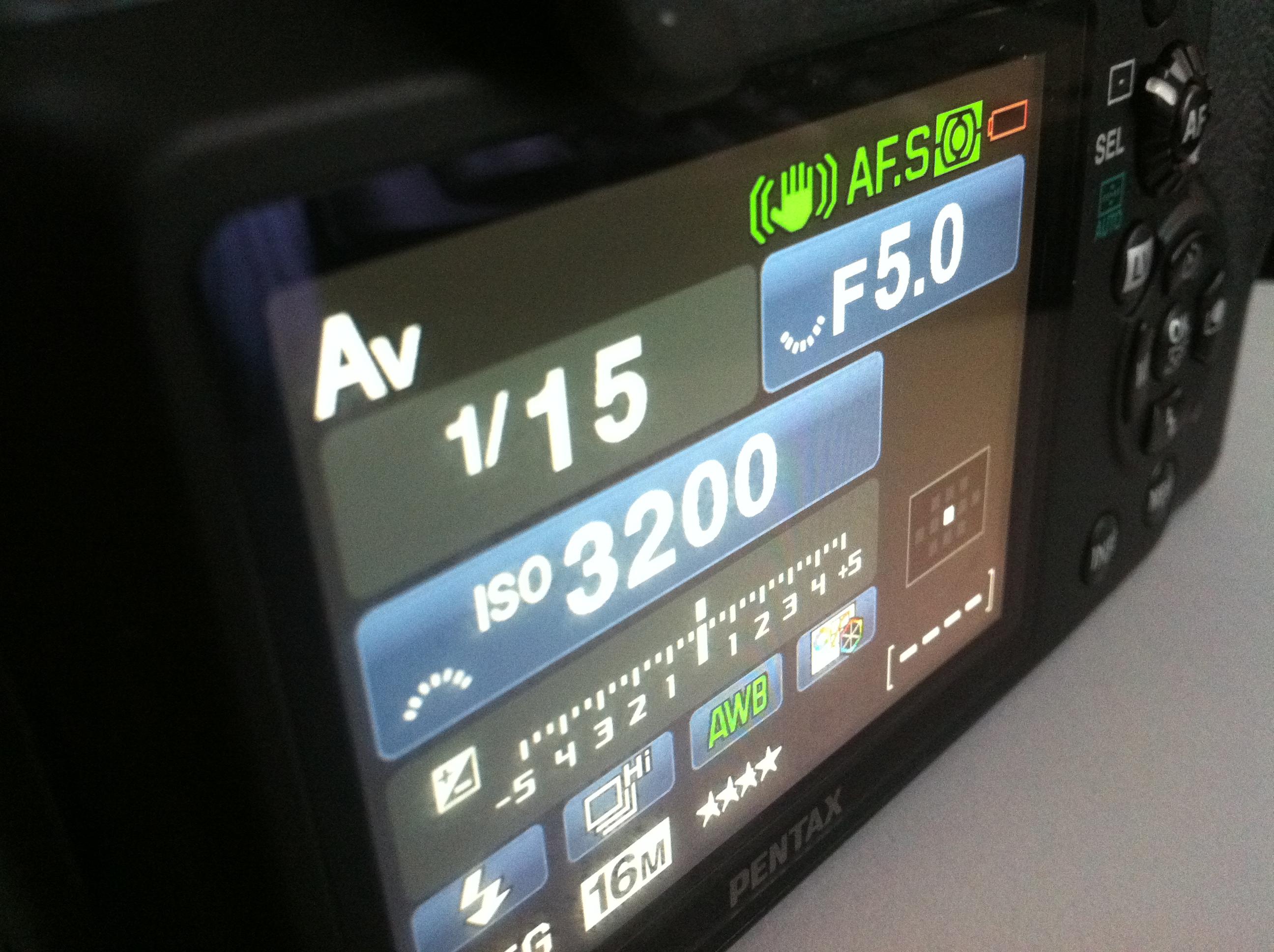 Moderne digitale Spiegelreflexkameras bieten ein großes Display und jede Menge Einstellungsmöglichkeiten
