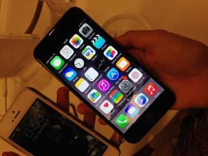 Das neue iPhone 6 gibt es in zwei Größen
