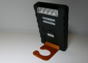 Der Sandberg PowerPal 5000-Akku mit LED-Taschenlampe