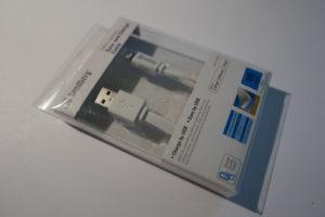 Das USB Lightning Cable Flat mit einer Länge von 100 cm von Sandberg (Artikelnr. 440-90)