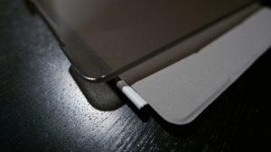 Das Olixar Apple iPad Mini 4 Smart Cover bietet einen zuverlässigen Schutz für die Vorder- und Rückseite