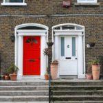 Beim Hausbauen und Sanieren sparen: Haustüren günstig kaufen im Onlineshop für billige Haustüren aus Holz, Kunststoff & Aluminium