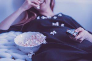 Binge Watching gehört mittlerweile zu einer beliebten Freizeitbeschäftigung
